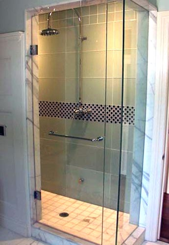Frameless Shower Door With In Line And Return Panel