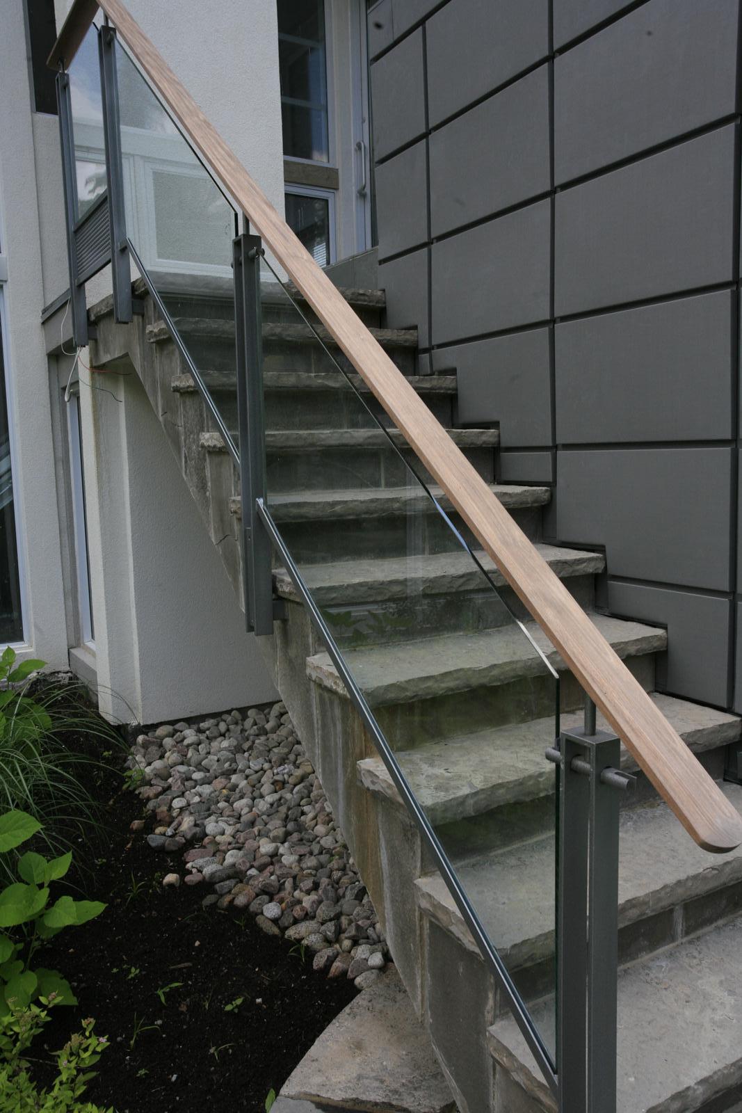 Glass showers glass railings for Exterior step railing